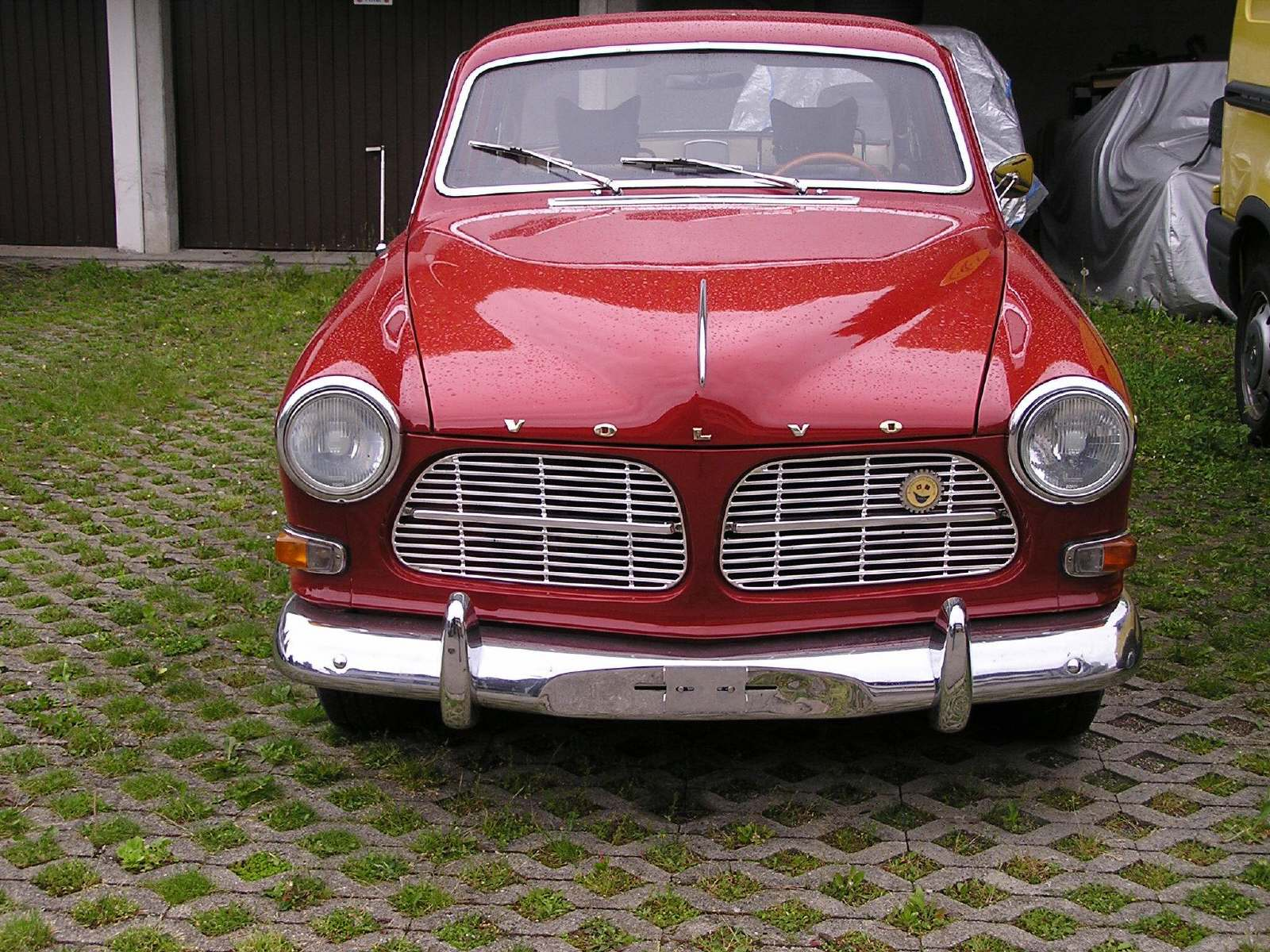 Oldtimer mieten Volvo 122 S bei der Langächer Garage